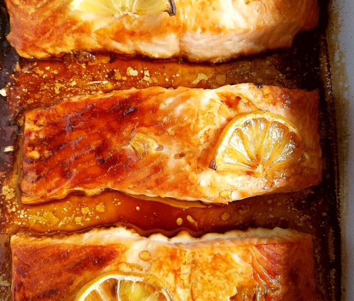 oven baked salmon with garlic and lemon