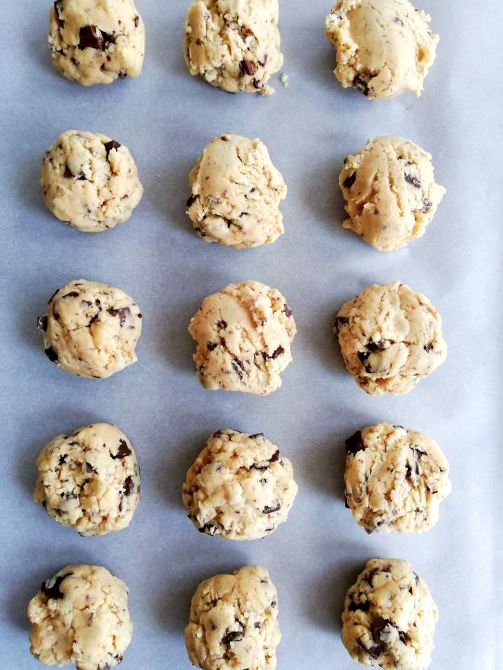 edible-cookie-dough-scooped