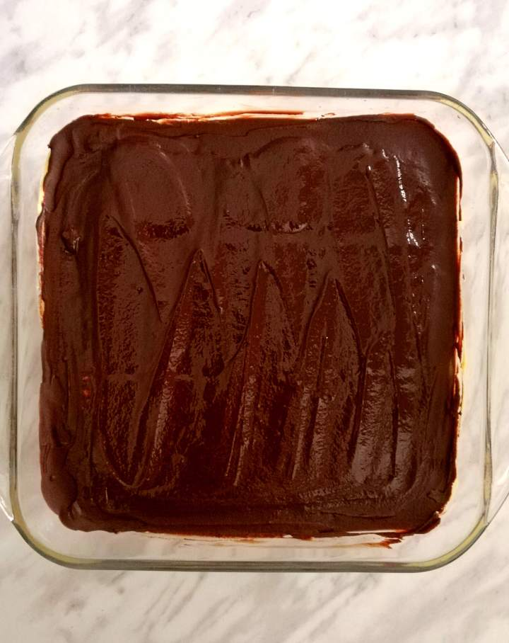 vanilla no bake biscuit cake chocolate topping