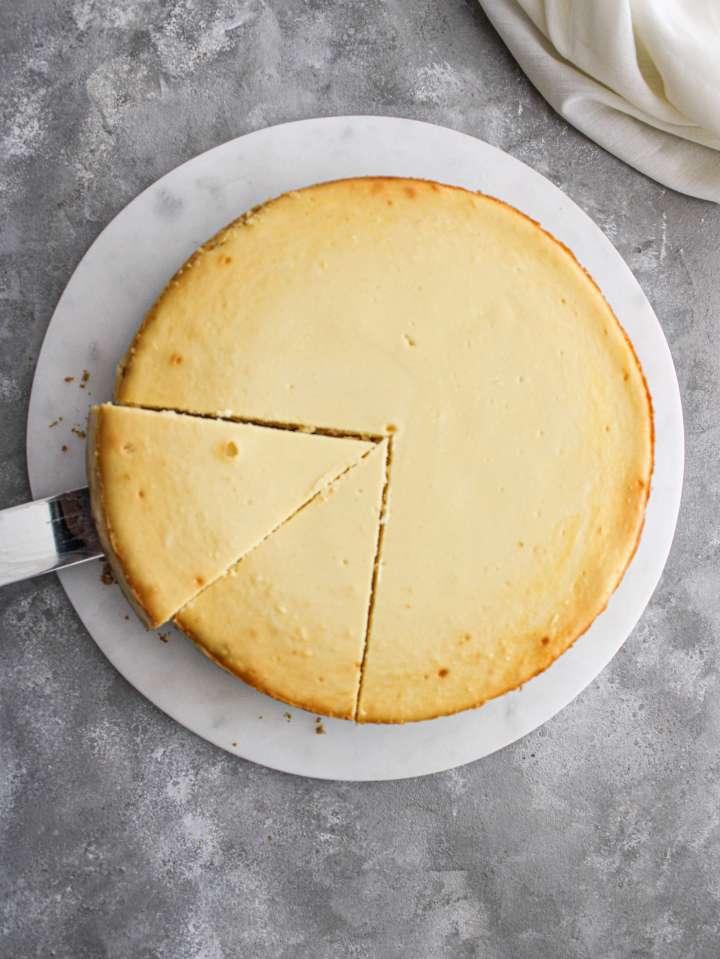 classic cheesecake sliced overhead image