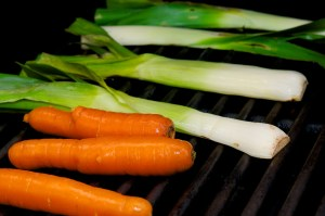 Grill leeks and carrots