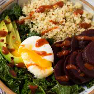 Meal Prep Beet Quinoa Breakfast Bowls