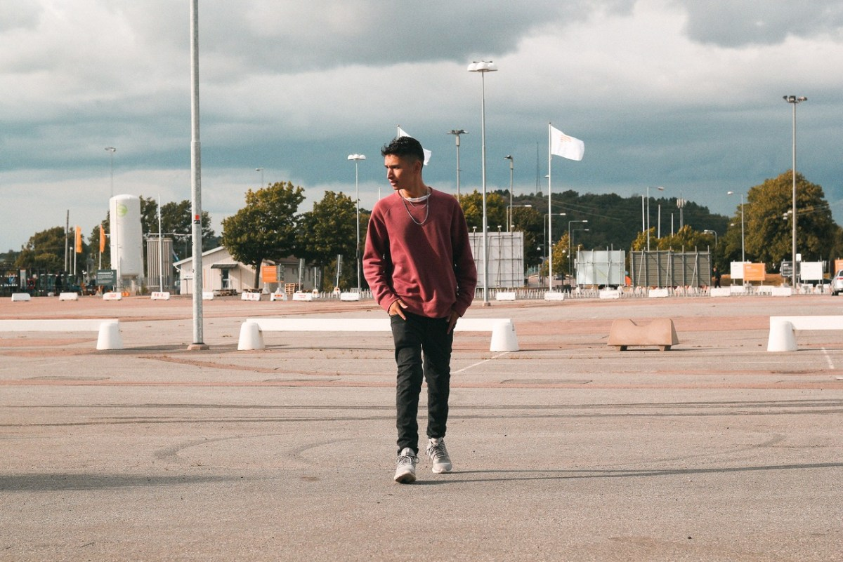 "David Rojas brings you the perfect sunset driving vibes with ""Waterfalls"""