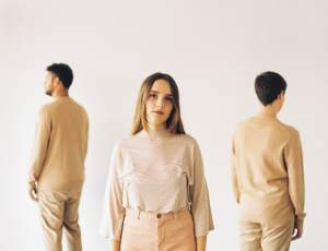 Vaarwell explore personal emancipation in their new single 'Money'