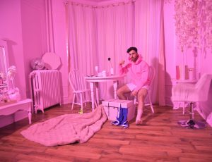 """Mike Taveira explores the first steps he took towards honouring his queerness in his new single """"Curious"""""""
