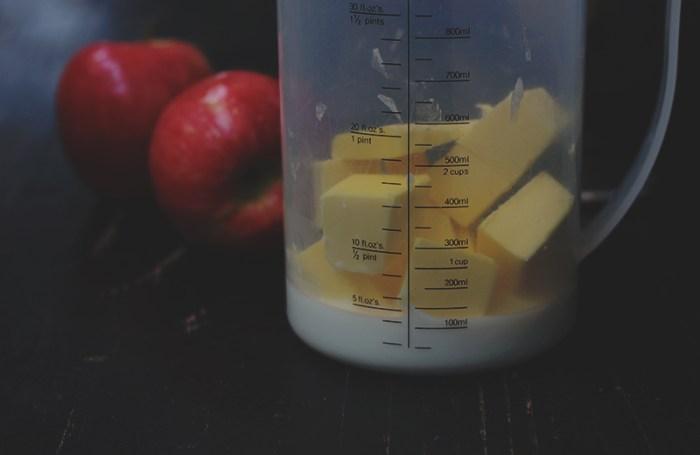 Apple tea cake measure