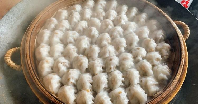 台南肉圓美食 茂雄蝦仁肉圓跟一般炸肉圓不一樣,口感更接近飲茶的蝦餃。