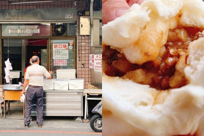 好口味包子 嘉義東門圓環的古早味美食,包子是鎮店招牌,水晶餃也很好吃!