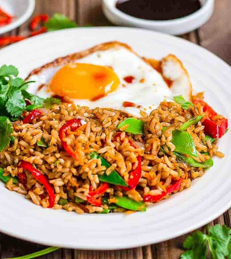 Easy Nasi Goreng Recipe · Eat Well Abi