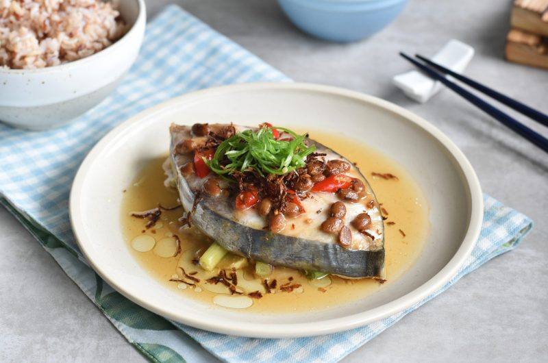 Steamed Mackerel Fish with Salted Soy Beans