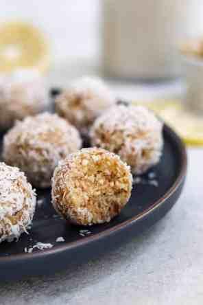 7 Ingredient Lemon Coconut Energy Balls