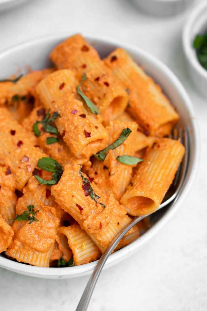 Up close of vodka rigatoni.
