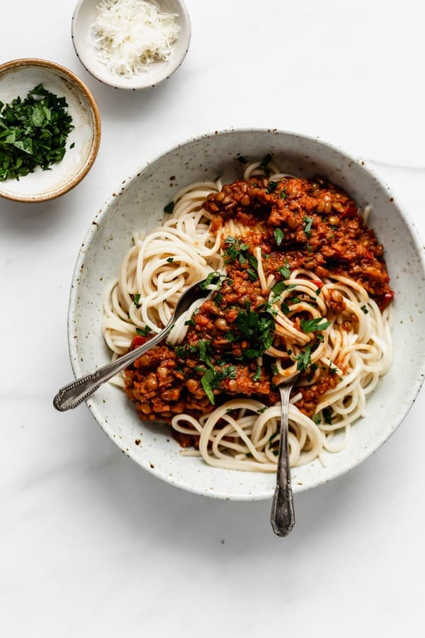 Vegan bolognese with spaghetti.