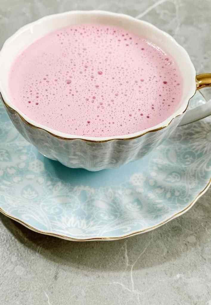 Healthy Energizing pink latte. Healthy beet latte. pink latte recipe. healthy beet latte recipe. beetroot latte