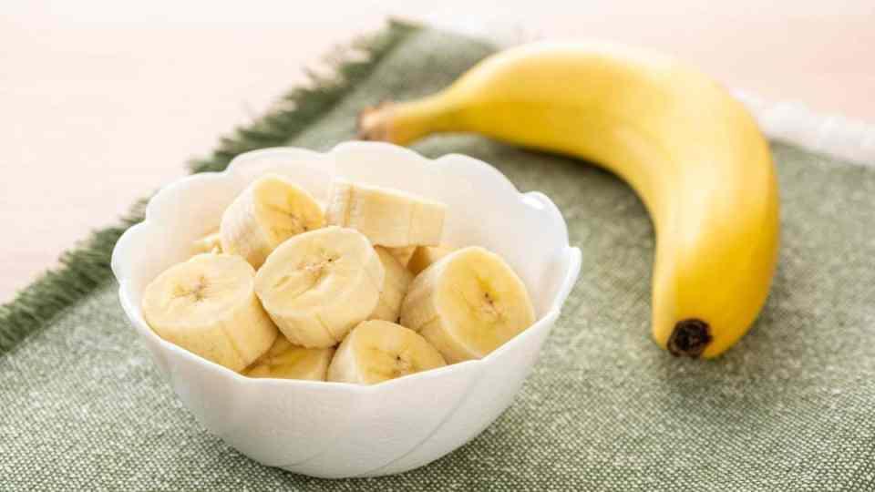 Health and beauty benefits of bananas. Banana health benefits. Banana beauty benefits.