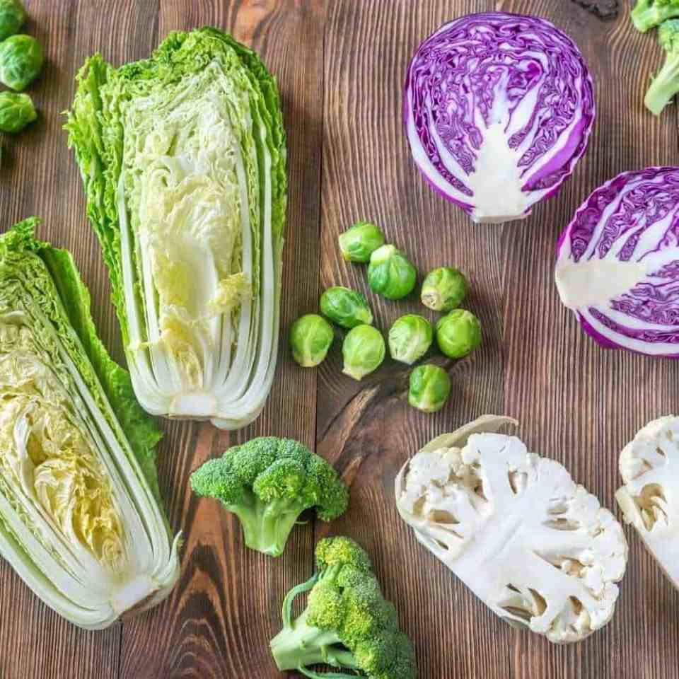 Do raw vegetables cause gas? Why do raw vegetables cause gas and how to avoid it. Cabbage, kale, broccoli, Brussel sprouts, cauliflower. Raw vegetables cause gas. Does raw vegetables cause bloating?