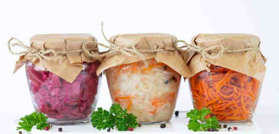 How to make sauerkraut. Getting started with fermentation. Basic sauerkraut recipe. How to make sauerkraut. Fermentation sauerkraut recipe. How to make fermented sauerkraut. Easy sauerkraut recipe