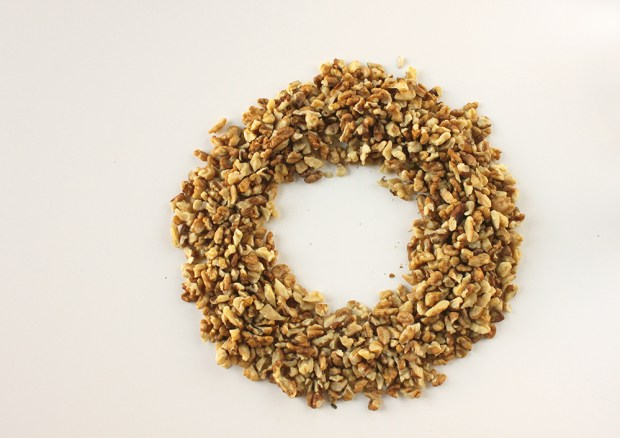 walnut wreath - eatyourself greek