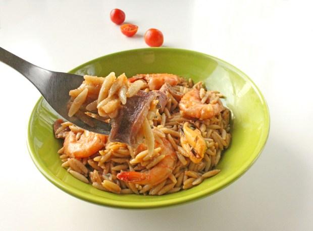 seafood youvetsi