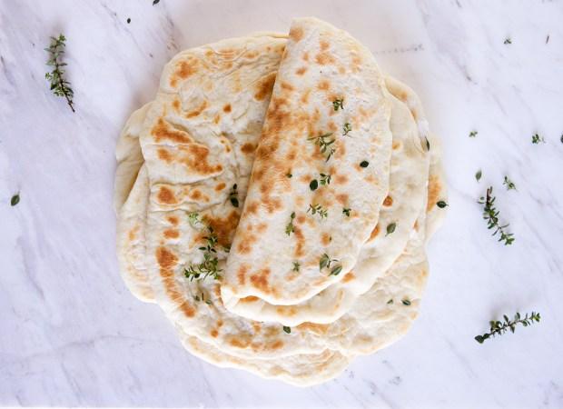 Greek pita bread @eatyourselfgreek