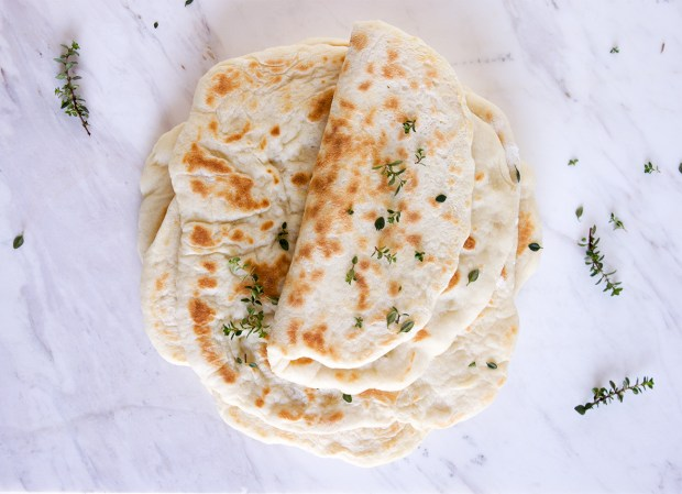 Greek pita bread @eatyourselfgreek