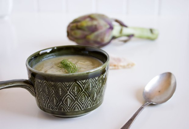 artichoke and leek soup @eatyourselfgreek
