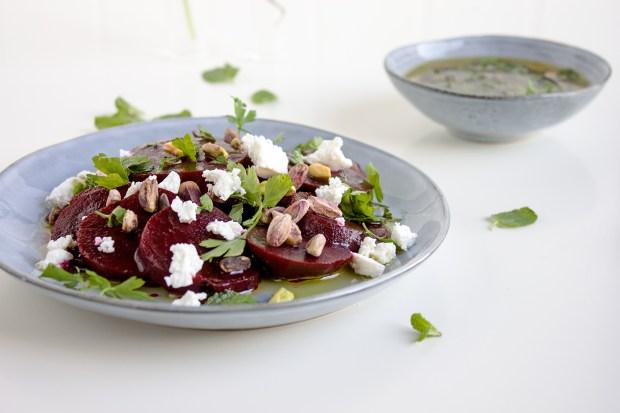 festive beetroot salad@eatyourselfgreek
