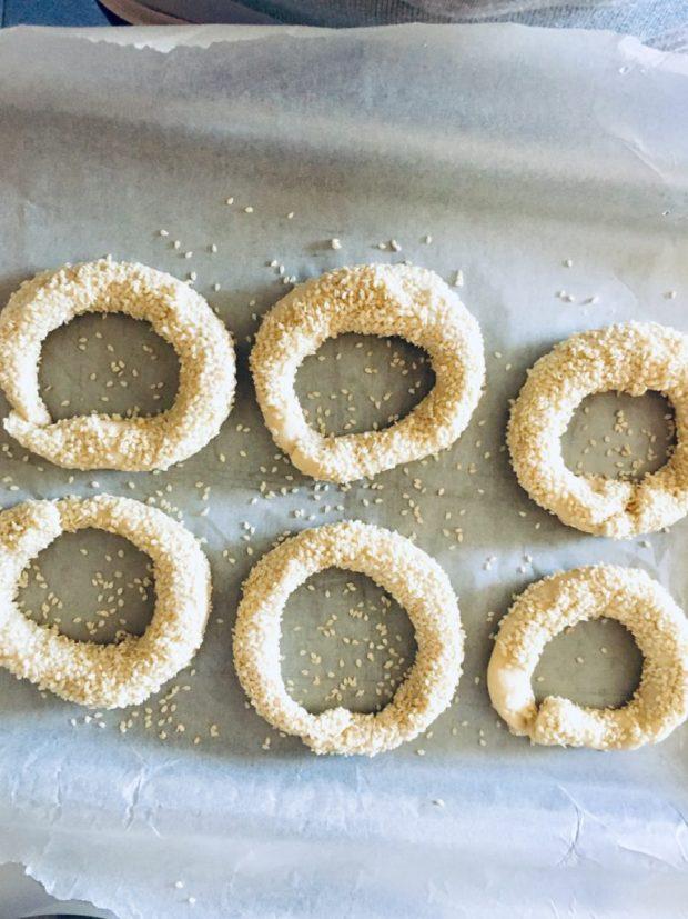 sesame bagels by TrEatGreek.com