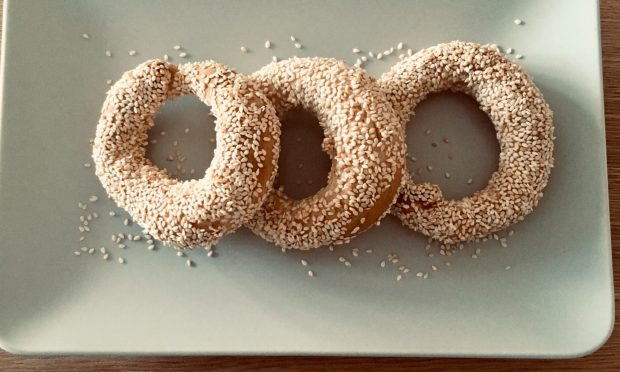 sesame bagels by TrEatGreek.com
