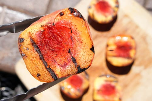 Cinnamon Grilled Peaches: a quick and healthy dessert perfect for summer Bar-B-Ques!