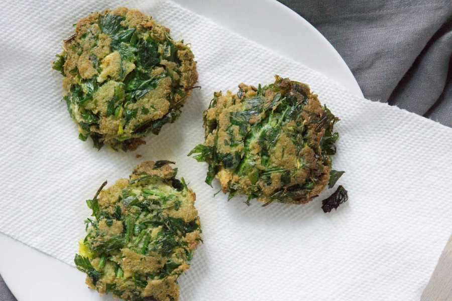 Celery Juice Pulp Fritters using leftover celery juice pulp to make a healthy paleo breakfast, after frying