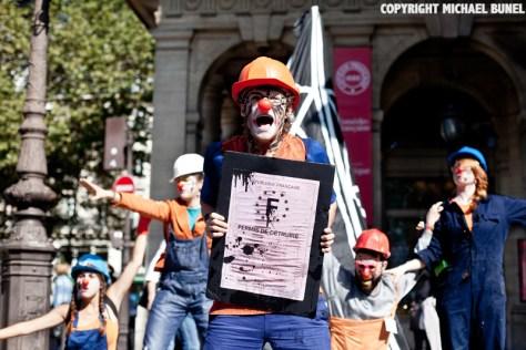 Clowns against shale gas drilling