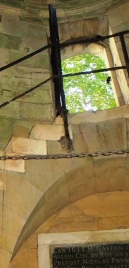escalier-porte-lanterne