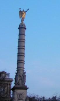 Colonne de la fontaine du Châtelet