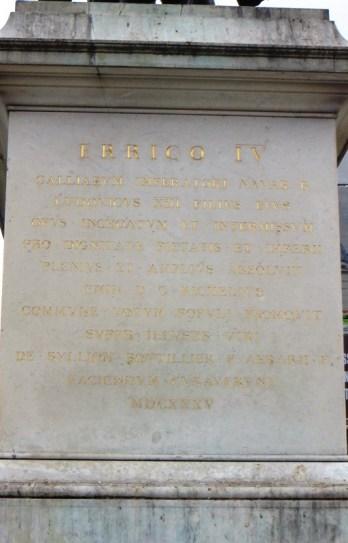 Henri IV plaque sur le piédestral
