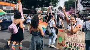 "Featured image for ""ایل سلواڈور میں صدر کیخلاف عوام سڑکوں پر نکل آئے، پتلے نذرآتش"""
