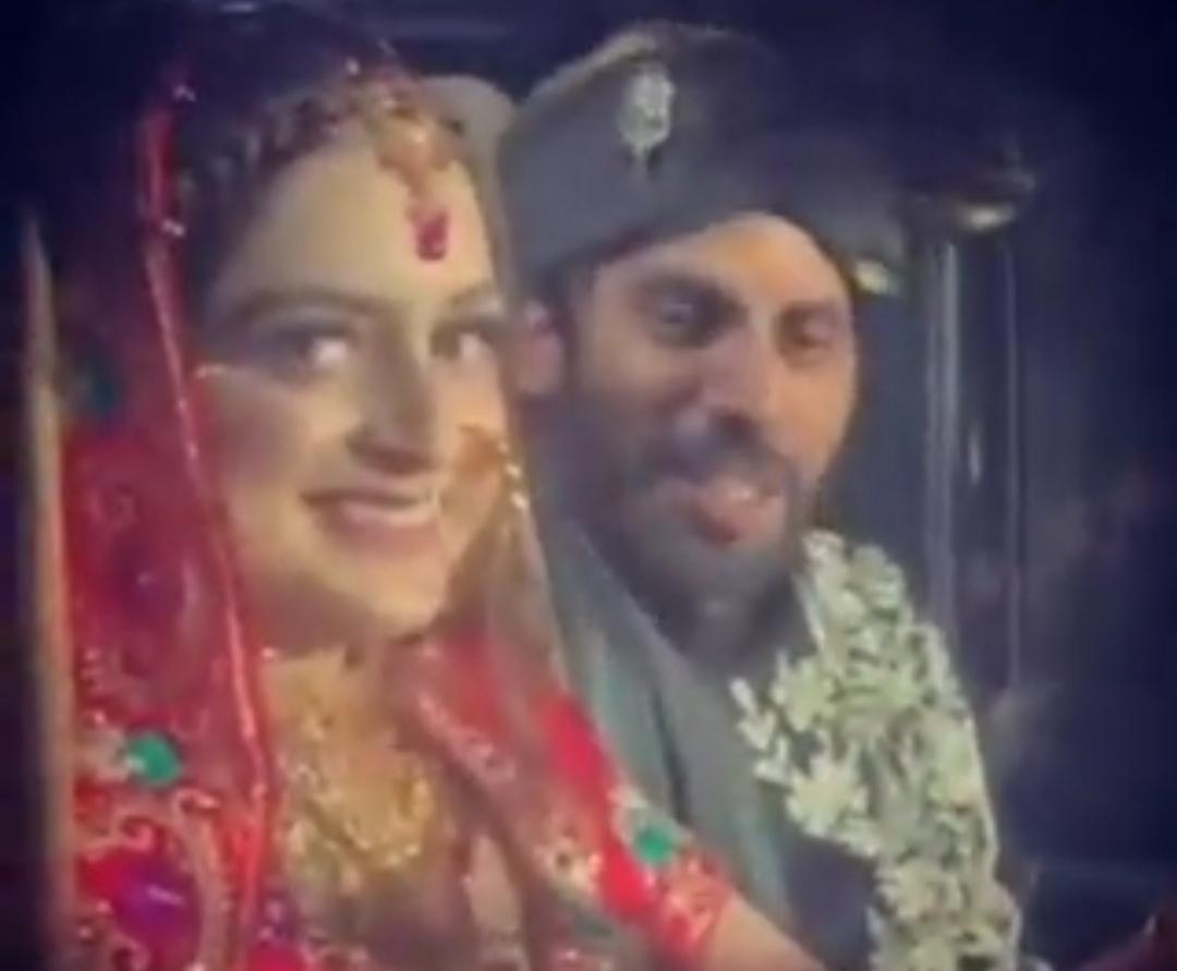 """Featured image for """"سری نگر: شادی کے دوران دُلہن پاک بھارت میچ دیکھتی رہی"""""""