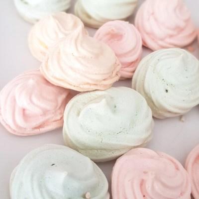 Mini colorful meringue cookies recipe