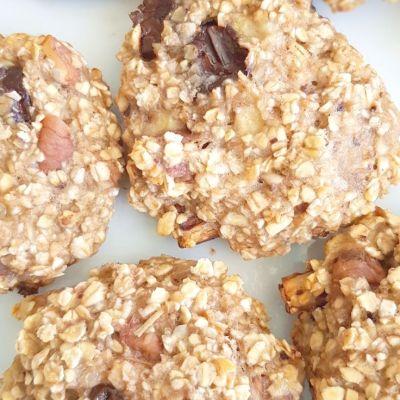 Banana chocolate oatmeal cookies