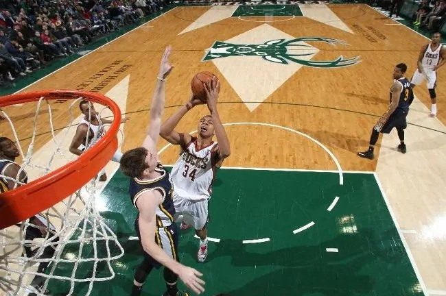 antetokounmpo-bucks-jazz
