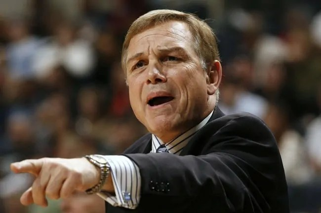 MEMPHIS, TN - DECEMBER 23:  Head coach Mike Fratello of the Memphis Grizzlies directs his team at FedEx Forum December 23, 2006 in Memphis, Tennessee.  NOTE TO USER: User expressly acknowledges and agrees that, by downloading and or using this photograph, User is consenting to the terms and conditions of the Getty Images License Agreement.  Mandatory Copyright Notice: Copyright 2006 NBAE  (Photo by Nikki Boertman/NBAE via Getty Images)