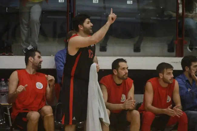 Manolis Papamakarios-Faros Keratsiniou