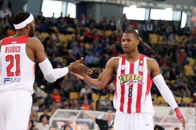 warrick-strawberry-olympiacos-aek