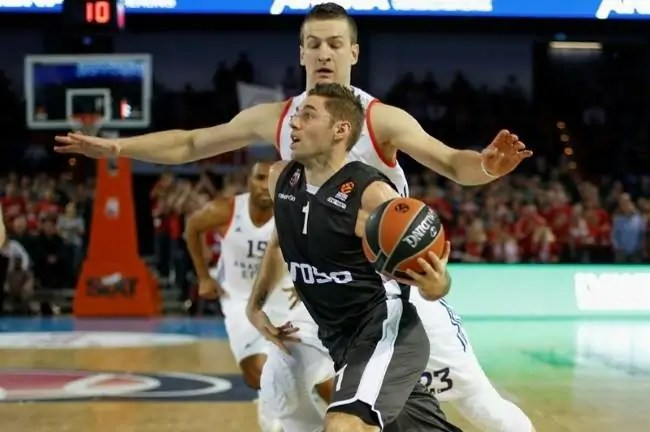 causer-omic-bamberg-efes-euroleague