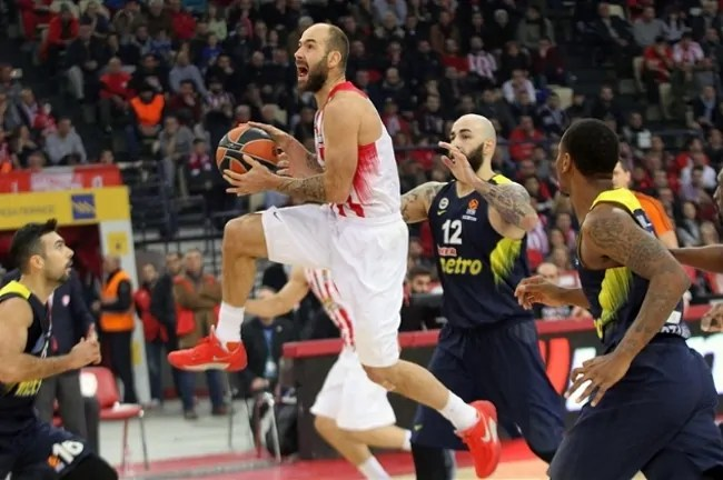 olympiakos-fener-fenerbache-spanoulis-vasilis-vasillis-kill-bill-lay-up-antic