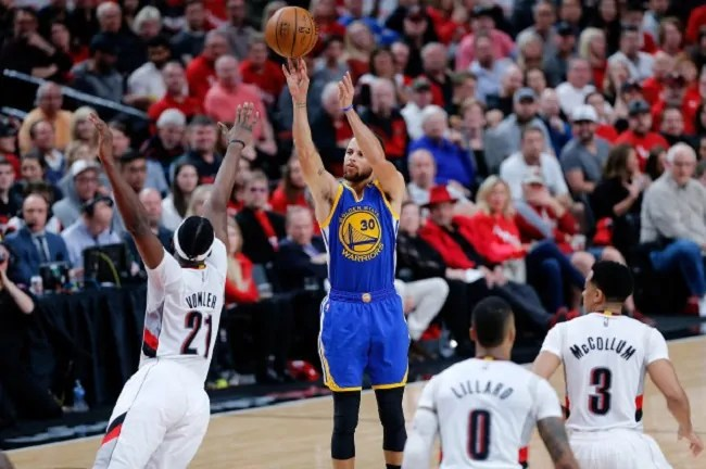 steph-curry-warriors-blazers