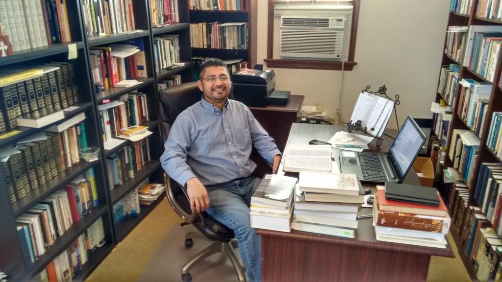 Ministerio en Español Pastor Valentin Alpuche Shafter, California
