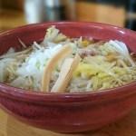 江別駅前の老舗食堂「八里九里家」で野菜ラーメン。優しいスープで満たされる幸せ【北海道江別市】