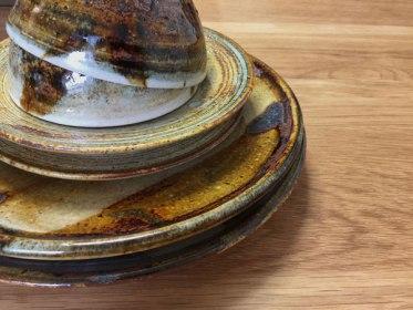 奥村陶房の器「キャラメルグレーズ」シリーズがお気に入りです。