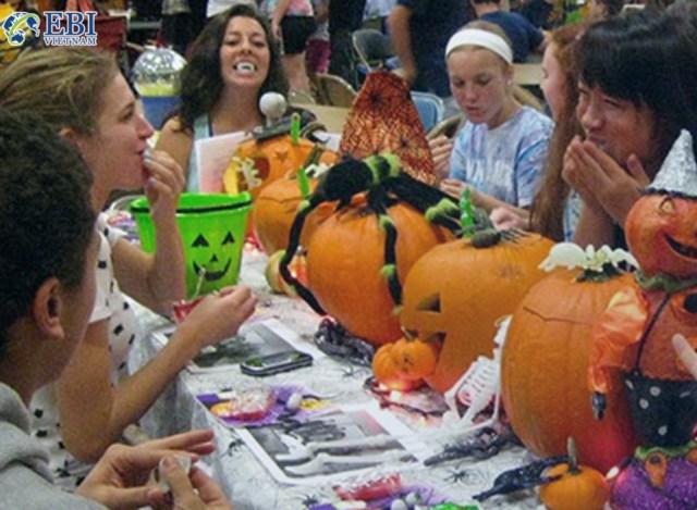 Lễ hội Halloween tại trường đại học Mỹ